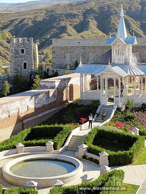 Rabati Castle gardens