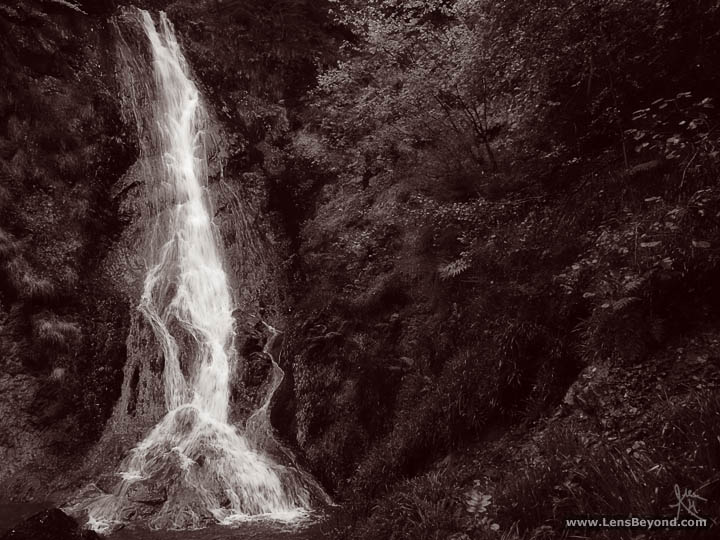 Monochrome photo of Grey Mare's Tail Waterfall