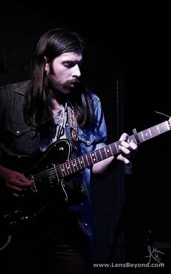 Robert Earl Thomas, Widowspeak guitarist